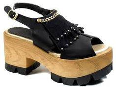 Resultado de imagen para zapatos plataforma de madera verano