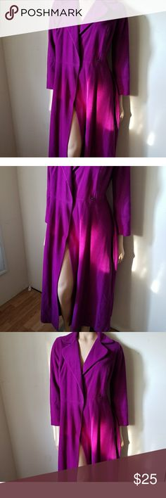 Vintage Vanity Fair purple Robe size 12 Almost brand new condition  No flaws color is purple Vanity Fair Intimates & Sleepwear Robes