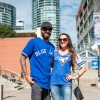 Street Style, Blue Jays edition: 23 shots of decked out fans in Toronto Blue Jays Game, Beauty Magazine, Street Outfit, Toronto, High Fashion, What To Wear, Take That, Street Style, Shots
