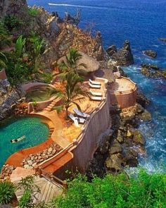 Zihuatanejo in Mexico  l #PageVibe