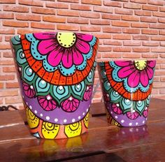 Flower Pot Art, Flower Pot Design, Flower Pot Crafts, Clay Pot Crafts, Flower Frame, Bottle Painting, Bottle Art, Bottle Crafts, Painted Plant Pots