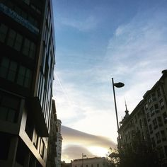 Luz. . . . . #light #go #morning #letsgo #saturday #autumn #winter #amazing #clouds #cliud #cloudporn #skyporn #sky #city #photo #photography #photographer #photooftheday #pamplona #iruña #navarra #navarre #egunon #kaixo #hi #hola #bizitza #architecturelovers #architecture
