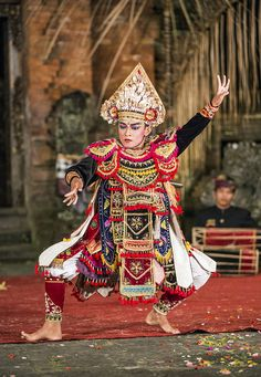 warrior dance, meant to show the strength + combat abilities of the dancer, ubud, bali, indonesia | traditional dance