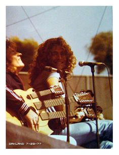 John Paul Jones on his custom 3 neck with Robert Plant - Led Zeppelin - Oakland Coliseum July 23 1977 Great Bands, Cool Bands, Led Zeppelin Tour, Almost Famous Quotes, Page And Plant, Robert Plant Led Zeppelin, Houses Of The Holy, John Paul Jones, Jimmy Page