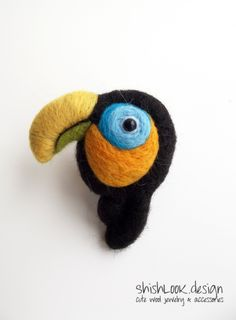 I adore this. by ShishLOOKdesign on Etsy Felt Diy, Felt Crafts, Felt Brooch, Brooch Pin, Felt Birds, Bird Jewelry, Wool Felt, Felted Wool, Valentine Crafts