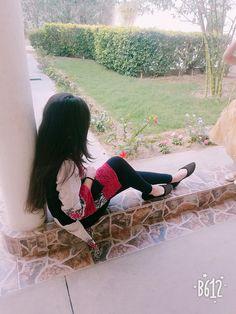 Αиgєℓ ѕαяυ♥ girl hiding face, girl face, dps for girls, fb girls Cute Girl Poses, Girl Photo Poses, Girl Photography Poses, Girl Photos, Friend Photography, Beautiful Girl Photo, Cute Girl Photo, Beautiful Girl Image, Beautiful Couple