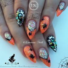 Bootiful Halloween nails!