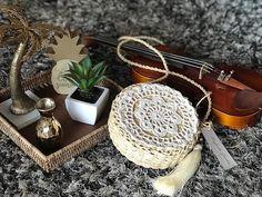 🍂🌴🎻🌴🎻🌴🍂 (mandala de crochê feita pela tia/parceira @lindampessoa) Cute Pins, Crochet Bags, Squares, Straw Bag, Purses And Bags, Tassels, Pillows, Instagram, Fashion