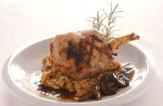 Save Print A simple recipe with grilled veal chops and a luscious wine sauce that's full of mushrooms. Its delicious flavor comes not from a long-simmered demi Veal Scallopini, Veal Cutlet, Veal Chop, Veal Recipes, Wine Recipes, Mushroom Wine Sauce, Loin Chops, Brown Sauce