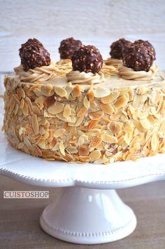 Ingrédients pour un gâteau 6 à 8 parts Pour le Sponge cake 125g de préparation à sponge cake ici 3 oeufs 2 cuil. À soupe d'eau La crème au beurre au café 180g préparation à buttercream ici 18cl d'eau 200g beurre (à température ambiante) une cuil à soupe de caf&eac