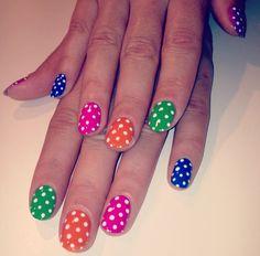 polka dot nails :) cute