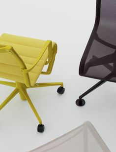 Details of rollingframe and meetingframe colors chair by Alberto Meda