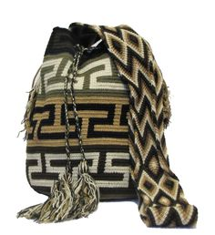 Buy Wayuu Bags Online-Colombian Bags Retailers and Wholesalers-Suscribe and Get 3 FREE Wayuu Bracelets with your first purchase! Mochila Crochet, Crochet Purses, Crochet Bags, Lion Brand Yarn, Tapestry Crochet, New Bag, Crochet Accessories, Handmade Bags, Boho Fashion