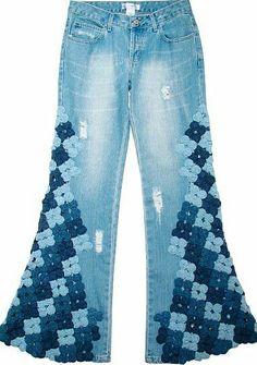 Calça jeans customizada com fuxicos