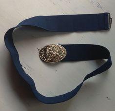 Vintage floral belt buckle.