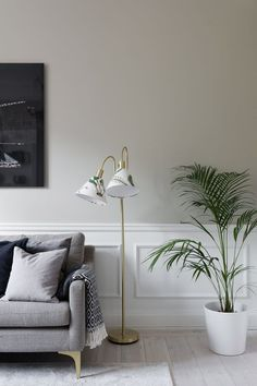 Vardagsrum Färg Idéer Home Room Design, Living Room Designs, House Design, White Wall Paneling, White Wood Floors, Home Living Room, Living Room Decor, Deco Design, Salon Design