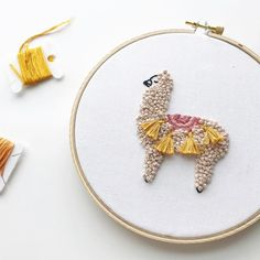 Hand embroidered llama 🦙 By @urbannnest For more embroidery inspiration, visit DMC.com to see our hundreds of FREE patterns. Simple Embroidery, Embroidery Patterns Free, Embroidery Hoop Art, Owl Patterns, Lace Patterns, Broderie Simple, Crochet Embellishments, Crochet Cord, String Art Patterns