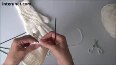 Knitting Patterns Mittens How to knit women's gloves - video tutorial Knitting Patterns Boys, Knitting Stiches, Knitting Videos, Loom Knitting, Hand Knitting, Crochet Mittens, Crochet Gloves, Fingerless Gloves Knitted, Crochet Cross