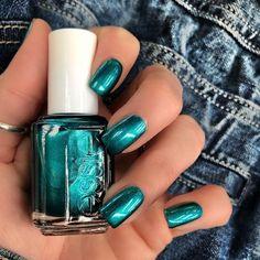 Fancy Nails, Bling Nails, Cute Nails, Pretty Nails, Essie Nail Polish, Nail Polish Colors, Nail Polishes, Green Nail Polish, Opi