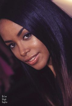 Aaliyah Singer, Rip Aaliyah, Aaliyah Style, Aaliyah Pictures, Aaliyah Haughton, Mariah Carey Photos, 90s Hip Hop, Mtv Movie Awards, Gone Girl