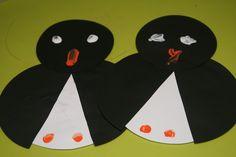 Pinguïns, gemaakt van papier en verf.