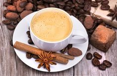 Ten ideas to make coffee even more delicious Coffee Uses, Coffee Drinkers, Chocolate, Home Brewing, Food Styling, Latte, Health Fitness, Drinks, Tableware