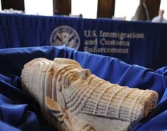 Stolen Artifacts Returned to Iraq :: U.S. authorities turned over more than 60 stolen artifacts to Iraq Monday (March 16), including gold-plated items from Saddam Hussein's palace and a limestone head of the Assyrian king Sargon II from an ancient city that was recently wrecked by ISIS militants. :: This head of Sargon II has been returned to Iraq.