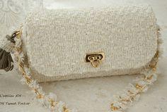 大人女子に人気!素敵なシャネルツイードの縫わないツイードバック Tweed, Shoulder Bag, Bags, Fashion, Atelier, Handbags, Moda, Fashion Styles, Shoulder Bags