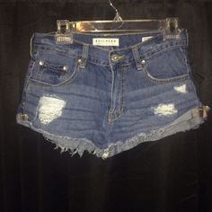 PacSun short jean shorts Size 5. Good fit. Worn once. Great condition! PacSun. PacSun Shorts Jean Shorts