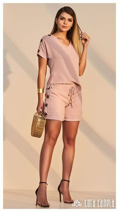 Swans Style is the top online fashion store for women. Shop sexy club dresses, jeans, shoes, bodysuits, skirts and more. Summer Fashion Outfits, Cute Summer Outfits, Cute Fashion, Cute Outfits, Womens Fashion, Autumn Fashion Grunge, Essentiels Mode, Elegant Outfit, What To Wear