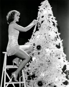 vintage everyday: 30 Vintage Hollywood Starlet Christmas Pin-up Photos