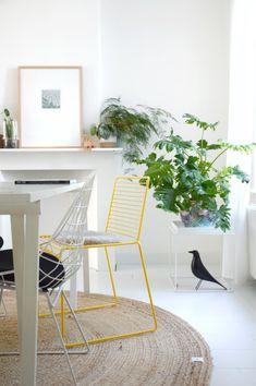 23 beste afbeeldingen van Gele stoelen  Yellow Chairs en