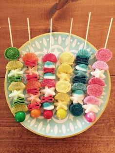10 Candy Kabobs (wrapped) - You choose colors/theme Sofia The First Birthday Party, Monkey Birthday Parties, Birthday Party Treats, Party Snacks, Valentines Treats Easy, Idee Baby Shower, Candy Kabobs, Candy Bouquet, Iced Cookies