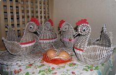 Знакомьтесь - мой весенний куриный переполох. Начало подготовки к пасхе...  фото 1 Hobbit, Crafts, Biscuit, Angeles, Rope Crafts, Log Projects, Paper Crafts, Upcycling, Paper Envelopes