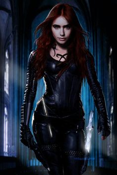 TMI-CityOfBones! OMG she looks badass in Shadowhunter gear! #Clary <3