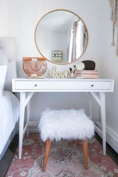 Styling A Vanity In A Small Space - Money Can Buy Lipstick | Styling A Vanity In A Small Space | White and Gold Bedroom | White and Gold Vanity | New York City Apartment | Small Apartment | DIY Vanity | Blush Bedroom | Neutral Home Decor | White and Gold Home Decor | Blush Print Rug | Faux Fur Wood Stool #makeupvanity