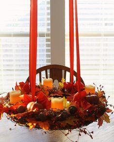 Hanging Fall Centerpiece from @Courtney Baker Carmean (A Diamond in the Stuff) #turkeytablescapes