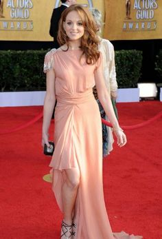 Jayma Mays hits the red carpet at the 2011 Screen Actors Guild Awards held at the Shrine Auditorium on Sunday (January 30) in Los Angeles. She wore a Jenny Packham dress, Jimmy Choo shoes, and a Swarovski clutch.