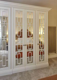 Luxury, bespoke wardrobes in South Kensington London from The Heritage Wardrobe Company.