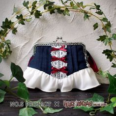 【NO.S PROJECT】白雪姫ポーチ Frame Purse, Bag Organization, Beautiful Bags, Girly Things, Boho Shorts, Cheer Skirts, Purses And Bags, Diy And Crafts, Coin Purse