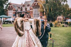 Jamie Lee and Tom had a fabulous Tudor-themed wedding at Gainsborough Old Hall, Lincolnshire, UK that knocked our socks off. The pair went seriously ALL-OUT with birds of prey, archery, pumpkin car…