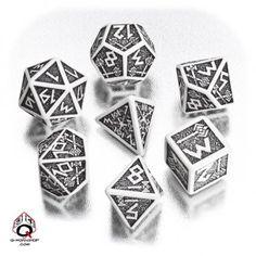 White-black Dwarven dice set (7)