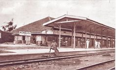 Date unknown: Mombasa railway station in the early years. Out Of Africa, East Africa, Lamu Kenya, Mombasa, Train Travel, Historical Photos, Trains, Places To Visit, Coast
