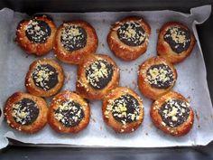 Moravské koláče Muffin, Sweets, Baking, Breakfast, Passion, Food, Morning Coffee, Good Stocking Stuffers, Bakken