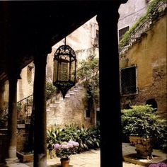 Lovely courtyard in Venice