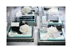 Elite: Tiffany Blue & White gift tray w/ Acrylic