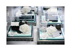 Elite: Tiffany Blue & White gift tray w/ Acrylic