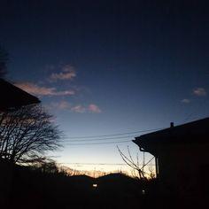 おはよーございます 山の端に細ーい三日月が出る朝です  #みんなのIT #おはよう #ohayo #群馬県 #高崎市 システムコンサルタント #gunma #takasaki