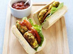 Baguette mit Gemüsebratlingen | http://eatsmarter.de/rezepte/baguette-mit-gemuesebratlingen