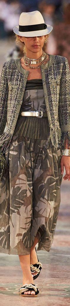 Chanel Fashion Show Crucero 2017